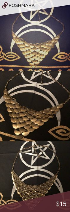 """AEO Gold/Bronze Chain Necklace Sturdy gold vintage style necklace. It has a worn, rustic look to it. I believe it's about 16"""" in length (refer to the photo of me wearing it). Only worn a few times. American Eagle Outfitters Jewelry Necklaces"""