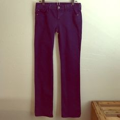 ⚡️TEMP PRICE CUT-Madewell Rail Straight Blue Jeans These are a reposh bc they're about two sizes too big for me. Perhaps this style runs bigger. They say 25 but I would say these would work for a 27. When I measured the width of the waist it's about 30 inches, and the rise is about 7-8 inches. The rail straight style is SUPER cute though & I love this color, so I'm sad they're too big. My loss is your gain though - Madewell is always high quality & these are still in great condition & have a…