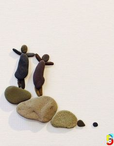 Pebble art of nova scotia by sharon nowlan stone painting, rock painting, pebble art Stone Crafts, Rock Crafts, Crafts To Do, Arts And Crafts, Rock Sculpture, Pebble Pictures, Rock And Pebbles, Creation Deco, Sea Glass Art