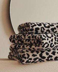 Zara Home New Collection Leopard Bathroom Decor, Cheetah Print Bathroom, Leopard Bedroom, Leopard Decor, Animal Print Decor, Animal Prints, Leopard Carpet, Zara Home Collection, Bath Linens