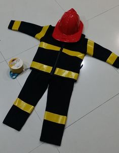 Quick DIY Fireman Costume – SmilyshuArt
