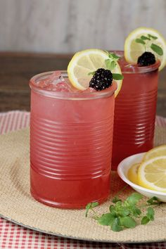 Easy alcoholic party punch ~ Blackberry Lemonade Moscato Punch - large batch cocktail for parties Best Alcoholic Drinks Recipes, Alcoholic Punch, Drink Recipes, Alcoholic Beverages, Dessert Recipes, Cocktails For Parties, Summer Drinks, Fun Drinks, Party Drinks