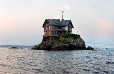 unique home design in the middle of sea