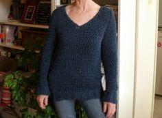 pour Lojox Pullover, Sweaters, Fashion, Knits, Moda, Fashion Styles, Sweater, Fashion Illustrations, Sweatshirts