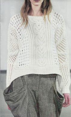 Suéter tejido a Dos Agujas -> http://esquemas.ctejidas.com/2014/07/sueter-blanco.html