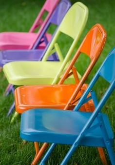 É muito fácil e prático reformar cadeiras de ferro velhas (Foto: Divulgação)