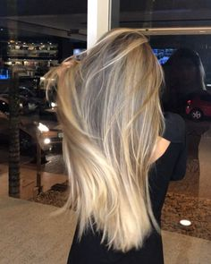 87 unique ombre hair color ideas to rock in 2018 - Hairstyles Trends Bayalage, Balayage Hair, Cabelo Ombre Hair, Straight Hairstyles, Cool Hairstyles, Brown Blonde Hair, Blonde Honey, Pinterest Hair, Ombre Hair Color
