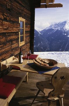 Hut romantic in alpine holidays in Tyrol - self-catering hut .- Hüttenromantik im Almurlaub in Tirol – Selbstversorgerhütte in Tirol Hut romantic in alpine holidays in Tyrol – self-catering hut in Tyrol - Chalet Design, Build A Closet, H & M Home, Le Havre, Cabin Homes, Great View, Wonderful Places, Perfect Place, Places To See