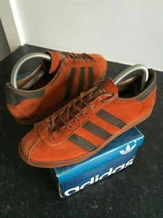 Original Trinidad & Tobago from the late 70's - this is the Made in France version with the brown leather ankle collar - the UK release had a red ankle collar - see separate pin