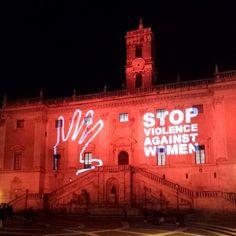 Giornata internazionale contro la violenza sulle donne, il Campidoglio s'illumina di rosso