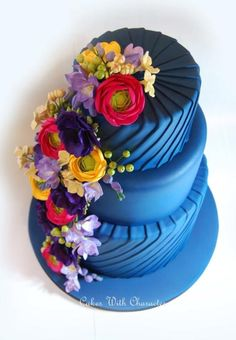 Deep Blue Wedding Cake - beautiful colour contrast, lovely rich colours of this… Gorgeous Cakes, Pretty Cakes, Cute Cakes, Amazing Cakes, Crazy Cakes, Fancy Cakes, Unique Cakes, Creative Cakes, Fondant Cakes