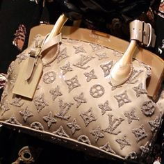 Louis Vuitton Handbags For 2015 LV Handbags Outlet Lowest Prices From Here Shop Now! Louis Vuitton Handbags, Purses And Handbags, Louis Vuitton Monogram, Handbags Online, Tote Handbags, Leather Handbags, Beautiful Handbags, Beautiful Bags, Photography Tattoo