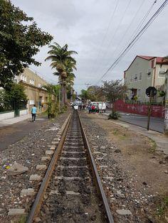 Mujer que murió tras atropello del tren era madre de 3 niños