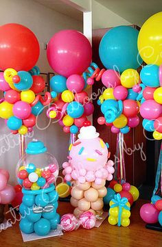 Cathy Olson - Balloon Artist. Balloon twisting entertainment and custom balloon decorations for parties and events. Located in Camarillo California and serving