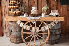 rustic wedding dessert ideas with wagon wheel