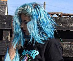 Sophie Hannah Richardson @coloredhair @sophiehannahrichardson #blue