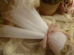 Μπομπονιέρα γάμου με τούλια και φιόγκο απο δαντέλα στο αγαπημένο old pink χρώμα! Wedding Gifts For Guests, Wedding Favors, Party Favors, Wedding Day, Lavender Sachets, Special Girl, Decoration, Christening, Wedding Details