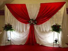 Best ideas for wedding ceremony stage decor simple Backdrop Decorations, Reception Decorations, Event Decor, Head Tables, Backdrop Design, Paper Flower Backdrop, Wedding Stage, Wedding Reception, Ceremony Backdrop
