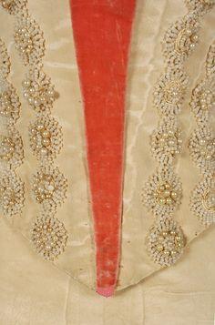 Evening dress, beige silk moiré and burnt orange silk velvet, 1891, bodice detail
