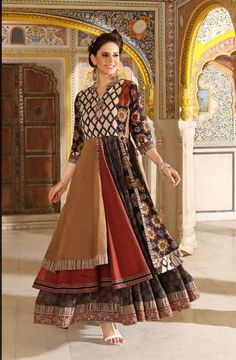 Three layered glossy cotton/Muslin and chanderi Mix kurti with superb pattern and detailings.