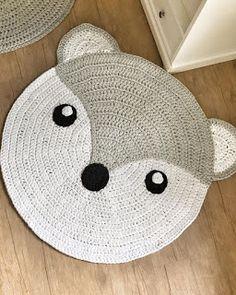 Crochet Carpet, Crochet Home, Knit Crochet, Diy Carpet, Carpet Ideas, Modern Carpet, Cute Fox, Patterned Carpet, Contemporary Rugs