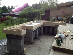 Bilderesultat for utekjøkken med tak Diy Outdoor Kitchen, Backyard Kitchen, Backyard Patio, Backyard Landscaping, Outdoor Decor, Backyard Projects, Outdoor Projects, Barbecue Design, Outside Bars