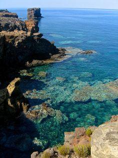 Au sud de l'Italie, Ustica vaut la peine d'être visitée! Restez connectés pour connaître tout sur cette île!