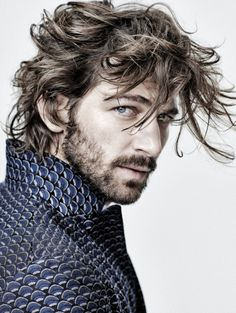 You are a handsome man Michiel Huisman New Long Hairstyles, Messy Hairstyles, Hairstyle Men, Pretty Men, Gorgeous Men, Michael Huisman, Mode Man, Style Masculin, Moustaches