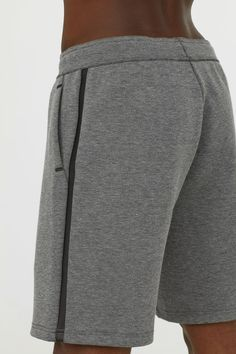 Sports shorts in sturdy jersey with taped details, an elasticated drawstring waist and side pockets. Blazer Jeans, Grey Blazer With Jeans, Jungs In Shorts, Smart Casual Men, Leopard Shorts, Sport Shorts, Men Shorts, Mens Activewear, Black Swimsuit