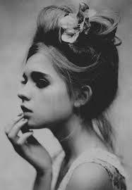 Resultado de imagen de girl black and white
