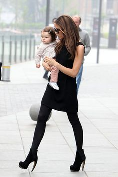 CUTE! Victoria Beckham And Harper Seven