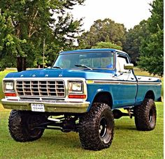 I quite simply prefer this colouring scheme for this lifted ford 1979 Ford Truck, Ford 4x4, Ford Pickup Trucks, Ford Bronco, Chevy Trucks, Cool Trucks, Big Trucks, Small Trucks, F150 Truck