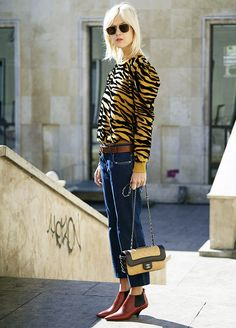 Тигр это новый леопард!  50 Must-See Street Style Outfits to Bookmark for 2017 via @WhoWhatWearUK