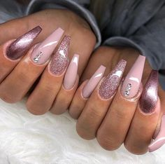 Stylish And Coolest Coffin Nail Designs To Start Your Wonderful Year Stylish Winter Nails; Glam Nails, Classy Nails, Stylish Nails, Beauty Nails, Simple Nails, Toe Nails, Best Acrylic Nails, Acrylic Nail Designs, Nail Art Designs