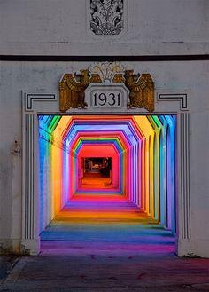 Spectacular spectrum of light in a Birmingham underpass! 'Light Rails' is a permanent LED light art installation in Birmingham, Alabama by artist Bill FitzGibbons. Rainbow Light, Over The Rainbow, Rainbow Art, Rainbow Room, Neon Rainbow, Instalation Art, Urbane Kunst, Art Design, Interior Design