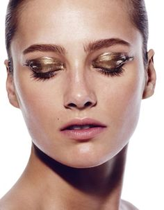beauty Karmen Pedaru by Miguel Reveriego gold eye makeup