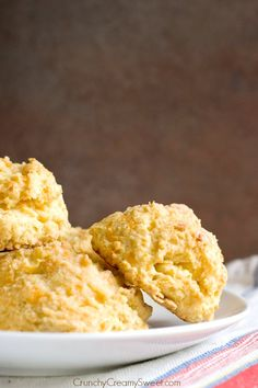 Red Lobster Cheddar Bay Biscuits Recipe from crunchycreamysweet.com