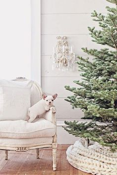 Love the knitted blanket underneath the tree💗Dreamy Whites: French Farmhouse Christmas Collection 2014 & Wintersteen Farms Wreath Giveaway Noel Christmas, Winter Christmas, All Things Christmas, Vintage Christmas, Christmas Mantles, Nordic Christmas, Victorian Christmas, Modern Christmas, Pink Christmas