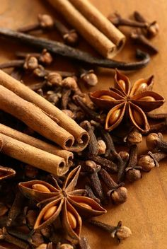 Cinnamon, Star Anise, Cloves, Etc. Essential Oils For Hypothyroidism, Hypothyroidism Diet Plan, Spices And Herbs, Fresh Herbs, Star Anise, Saveur, Natural Treatments, Spice Things Up, Gastronomia