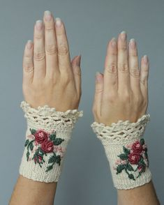 Knitted Fingerless Gloves, Gloves & Mittens, Gift Ideas,  Winter Accessories, Ivory,Roses,Embroidered,