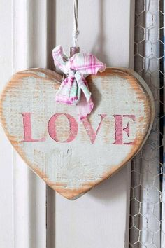 recycled with pink love - Ana Rosa, My Funny Valentine, Valentine Crafts, Valentines Day, I Love Heart, Happy Heart, Arte Pallet, Decoupage, Heart Crafts, Fire Heart