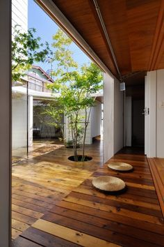 courtyard garden Design Inspiration - The Architects Diary Patio Interior, Interior And Exterior, Style At Home, Outdoor Spaces, Outdoor Living, Casa Patio, Design Exterior, Internal Courtyard, Japanese House