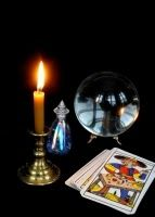 How to make the most of tarot card predictions made by your psychic reader #fortuneteller #psychicreader #tarotcards #divination