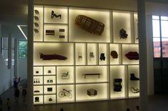 Pinakothek design wall