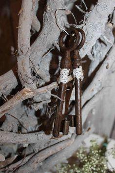 Shabby Schlüssel Set  Vintage von TheCottage auf DaWanda.com