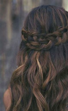 The Perfect #Hair Style for a Night Out
