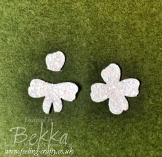 How to make a Bow from the Flower in the Itty Bitty Accents Punch pack.