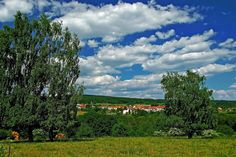 Mal so und mal so,  ...  ist heute das Wetter bei uns im Landkreis Merzig-Wadern. Wünsche allen Freiluftveranstaltungen möglichst lange trockene Abschnitte. :-)