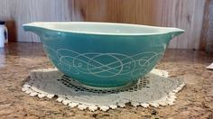 Vintage Turquoise Scroll Swirl Pyrex 2 5 Qt Cinderella Mixing Bowl EUC   eBay