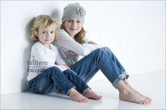 kinderfotografie zusjes child photography sisters - Willem Hoogendoorn Fotografie www.willemhoogendoorn.nl